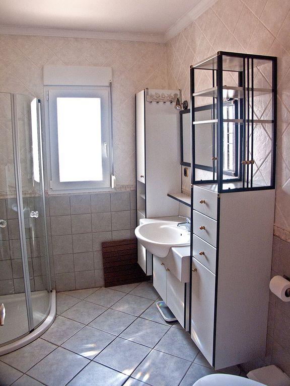 Villa Sueños – Main Bathroom