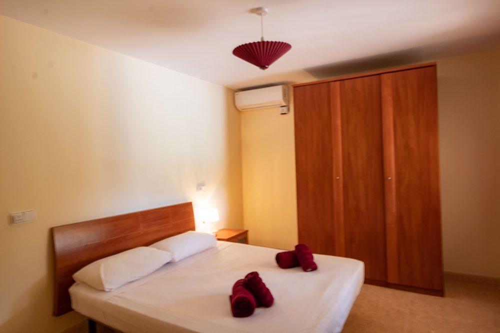 Tosal de la Cometa, Dormitorio Burdeos