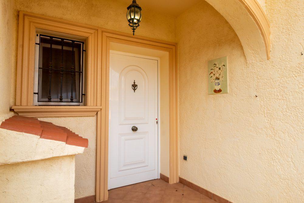 Tosal de la Cometa, Puerta Entrada
