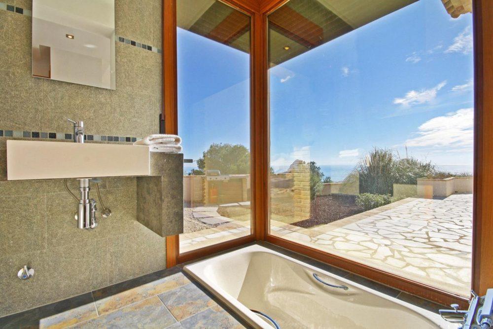 C19 baño con bañera