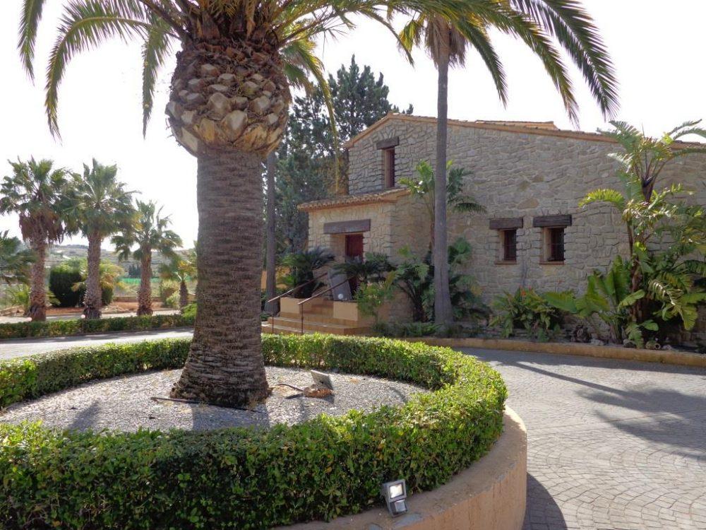 2 stone Finca for sale in Benissa