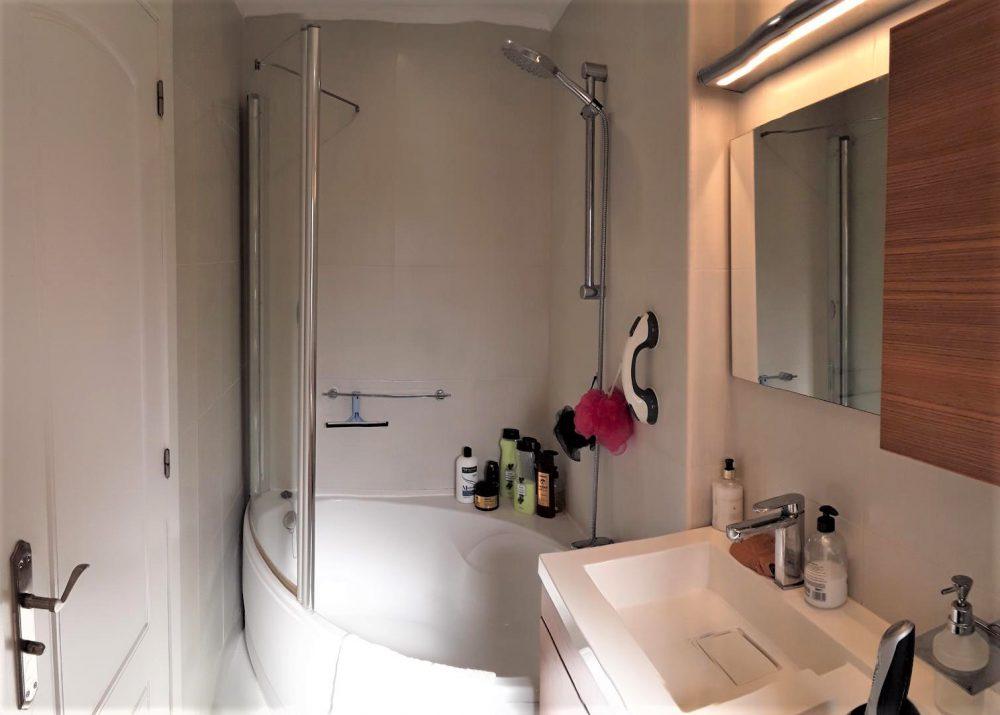 14a bathroom