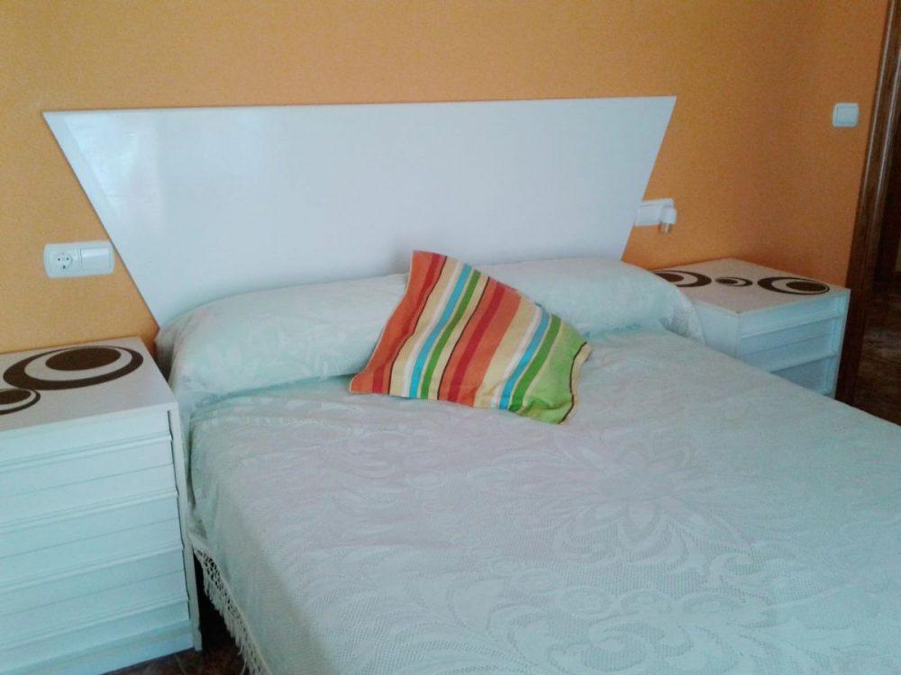 Los Almendros, 24 6habitación matrimonial cama blanca