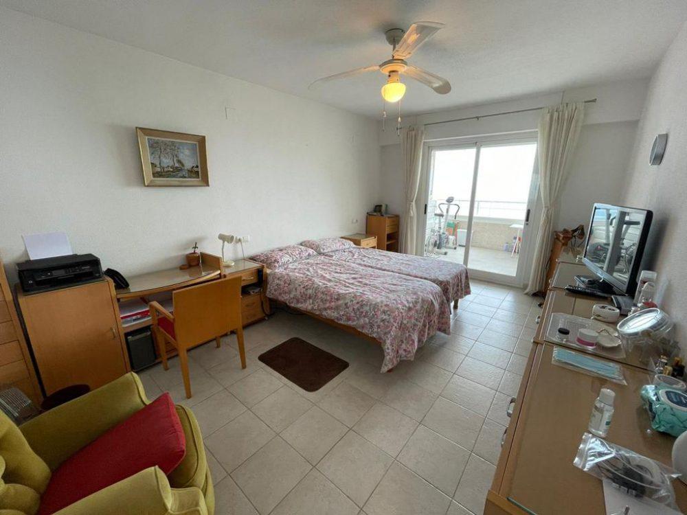 dormitorio doble grande escritorio