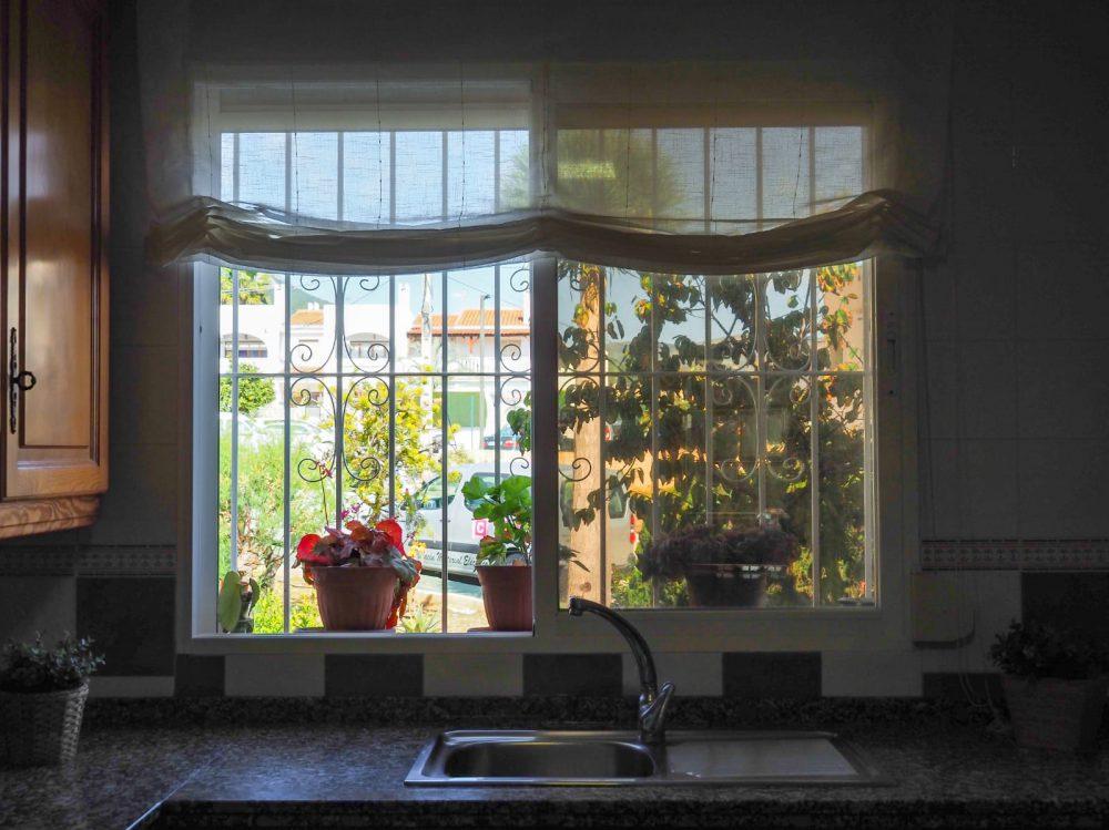 Calpe Park cocina ventana