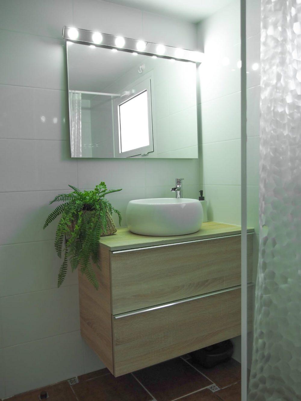 Calpe Park cuarto de baño con ducha espejo