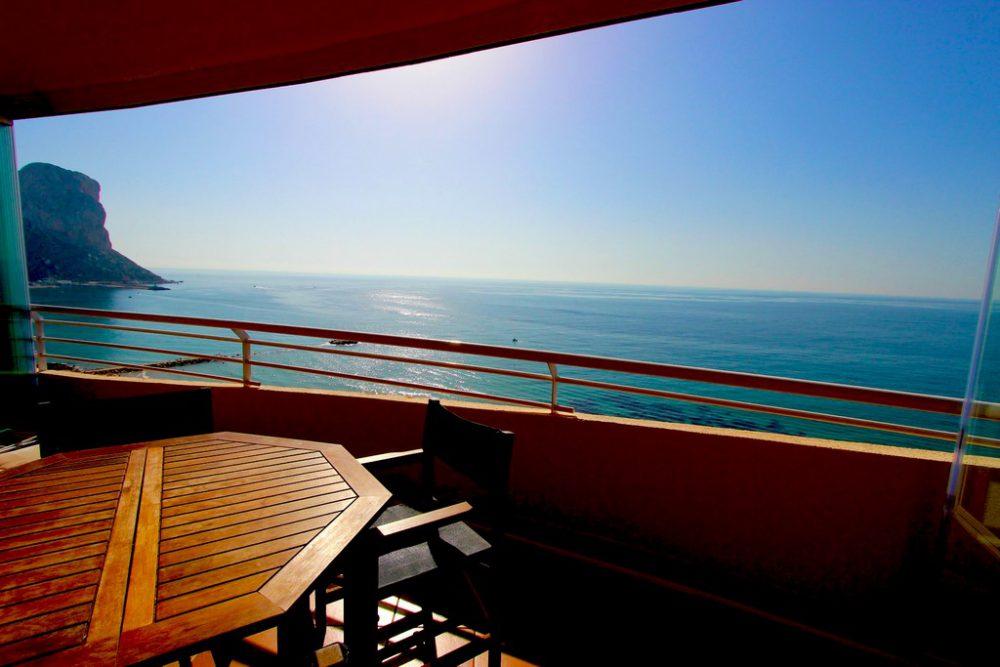 16. Playa de oro vistas mar y Peñon