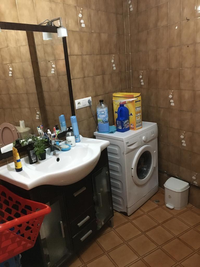 5. Cristina, baño