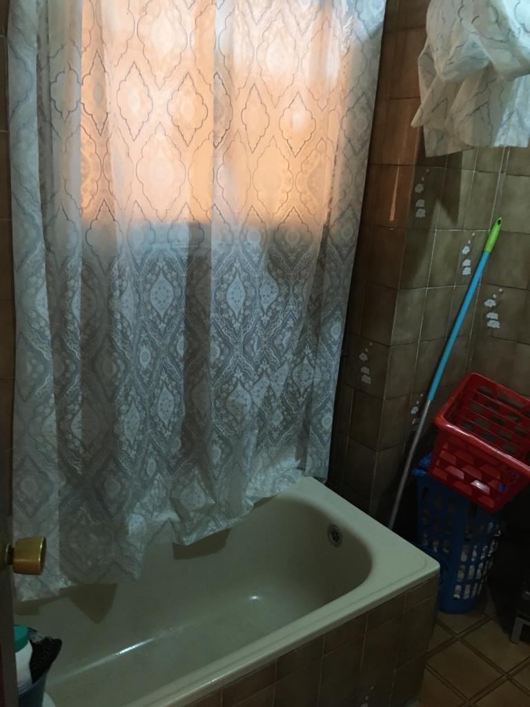 6. Cristina, baño
