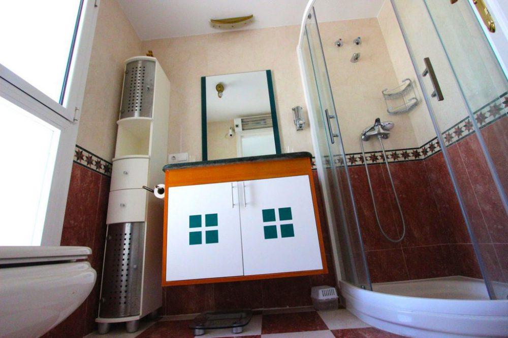 9. Playa de oro cuarto de baño ducha